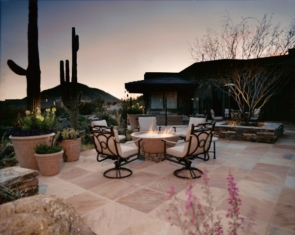 modern patio fire pit idea